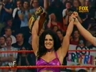 Chyna vs Trish Stratus (RAW 4.30.2001)